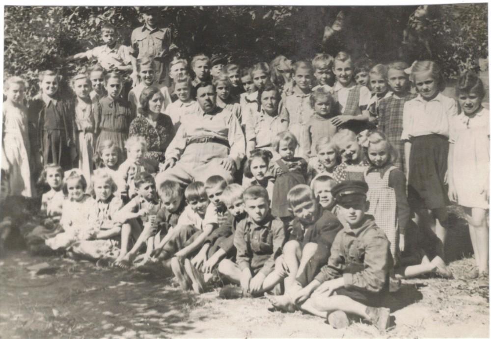 Owiesno - dyr Tadeusz Krukiewicz, Janina lata 50