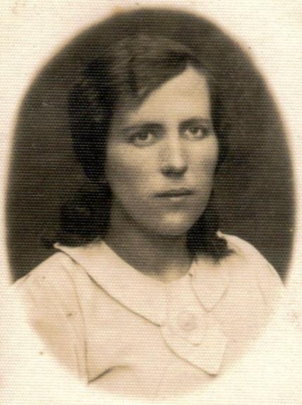 01c Janina Mroczkowska 14.06.1931 Bronowice - 01d-Janina-Mroczkowska-lata-40